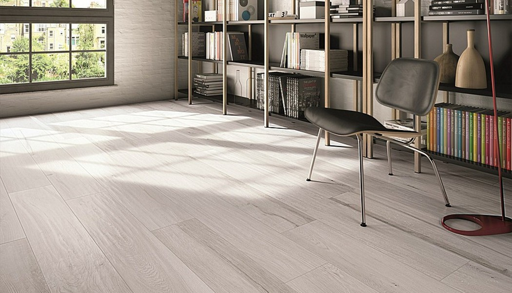 Pose carrelage imitation parquet 1 3 2 3 for Poser carrelage imitation parquet