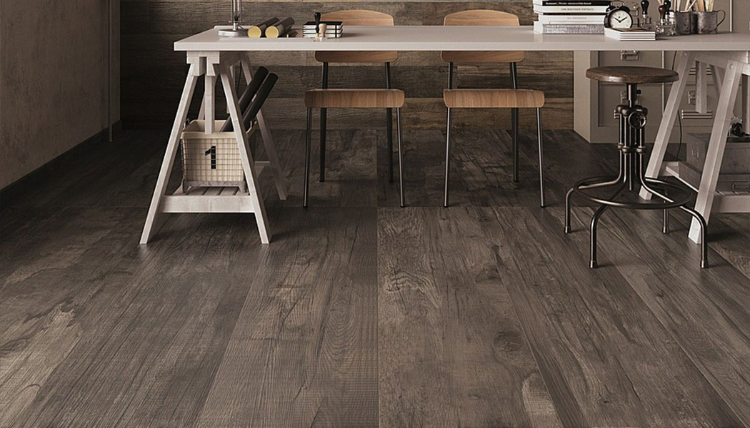Pose carrelage imitation parquet 1 3 2 3 for Pose carrelage imitation bois