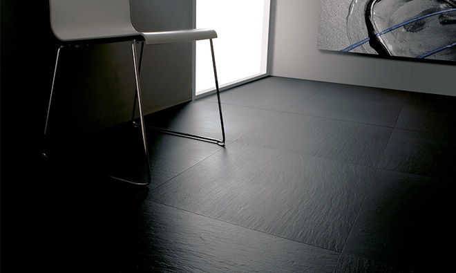 Carrelage aspect pierre ardoise noire lavagna a spacco for Carrelage ardoise sol