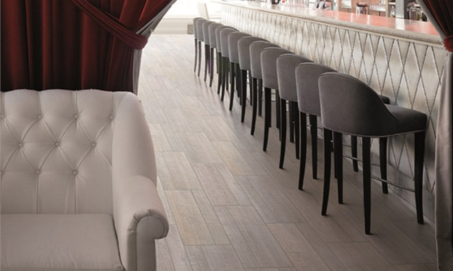 Carrelage imitation parquet bois barrique gris for Carrelage imitation parquet gris