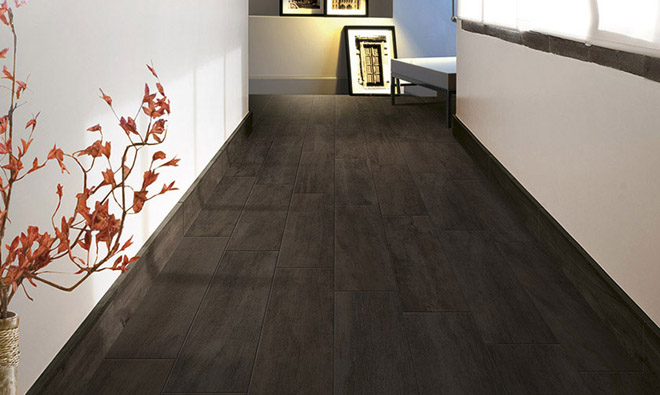 Pin carrelage imitation parquet imitatio on pinterest for Carrelage imitation parquet noir
