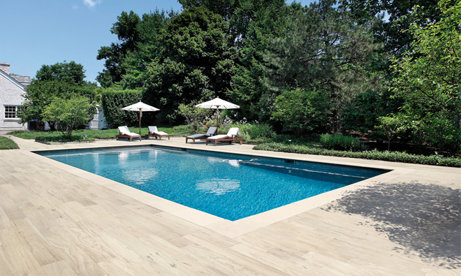 Terrasse piscine imitation bois diverses for Piscine imitation bois